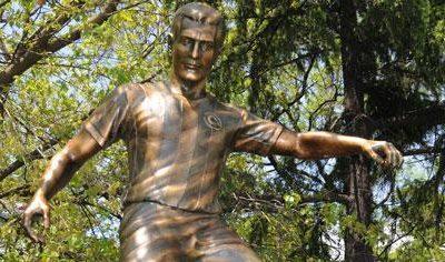 """Fenerbahçe'nin efsanesi, tarihinin en büyük oyuncusu, """"Ver Lefter'e, yaz deftere"""" sözünün odağı Lefter Küçükandonyadis hikayesi."""